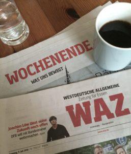 Trotz Weinschorle vor allen anderen aufgestanden und beim Kaffee die Zeitung gelesen